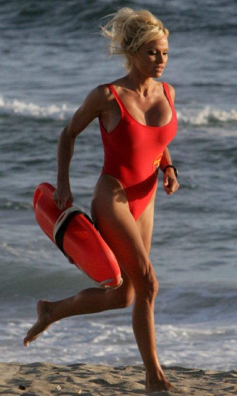 Pamela Anderson (41 yaşında)